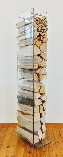 Holzregal aus Glas